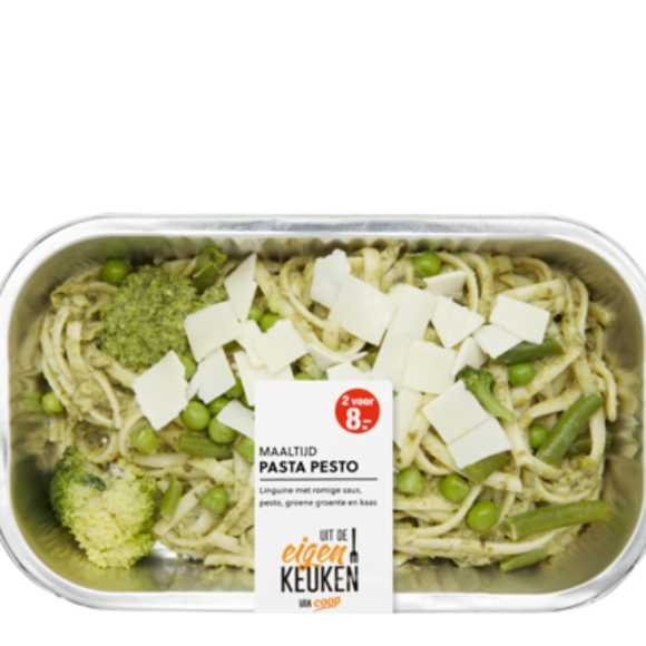 Pasta pesto groene groente product photo